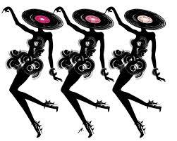 danse la petite robe noir